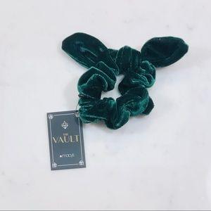 $5 Bundle Item ⭐️ Green Velvet Scrunchie by Macy's
